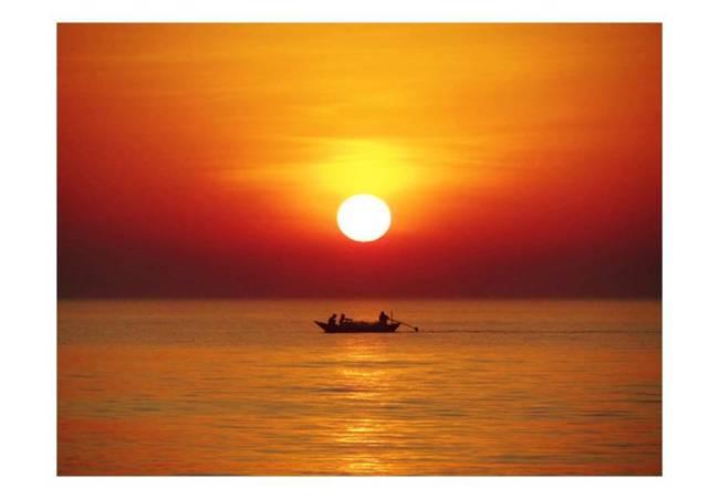Fototapeta - Łódź rybacka o zachodzie słońca