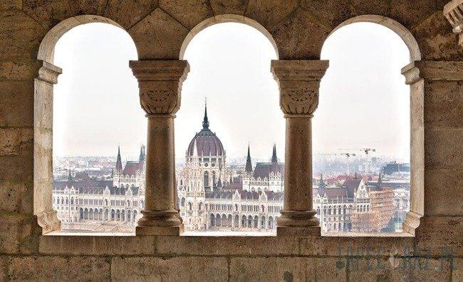 Fototapeta Widok na budynek parlamentu w Budapeszcie 409